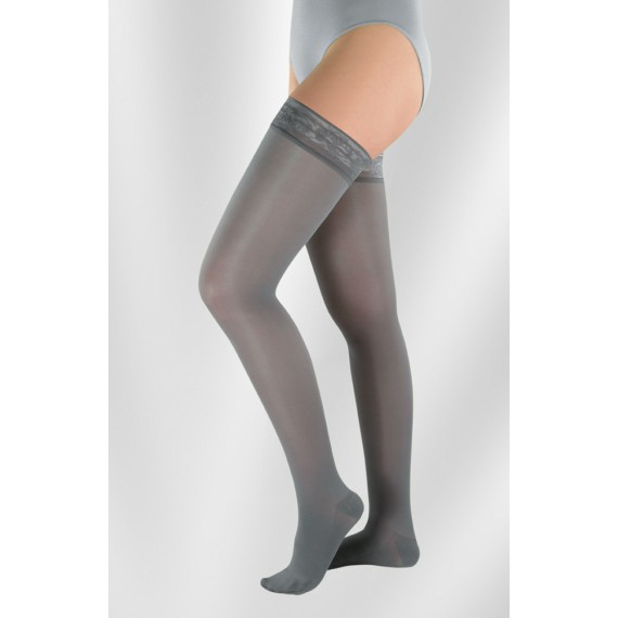 Attractive Elastic Stockings Up to the Thigh (Semi-transparent w / Shine)